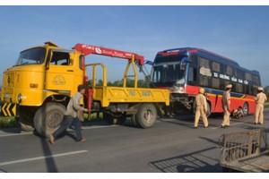 Cứu hộ giao thông ở Pháp Vân