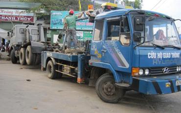 Cứu hộ giao thông ở Hoàng Mai